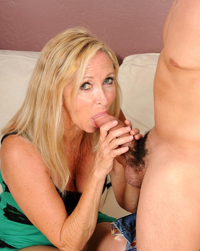 Порно Зрелых Женщин Блондинки