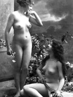Винтажные эротические снимки с молодыми леди