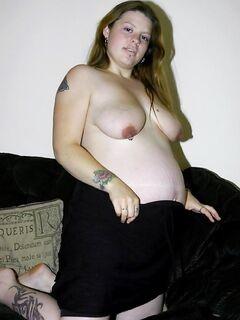 Беременная сучка с обвисшими сисками