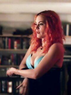 Блондинка Кейт Уинслет и ее натуральная грудь в подборке