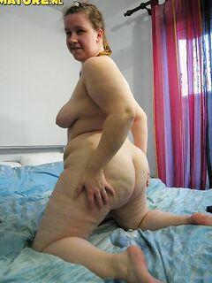 Жирные лесбиянки трахаются и кончают