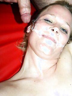 Мужчина в Амстердаме кончил шлюхе на лицо