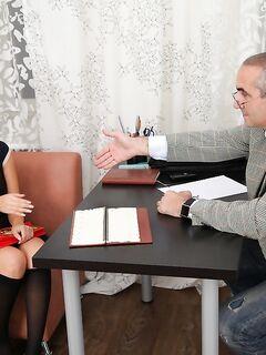 Русский папаша жарко трахает приемную дочь