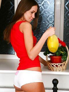 Русская шкура жарилась в задницу со спермой внутрь