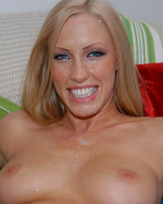Блондинка и трахается хорошо, и сперму любит