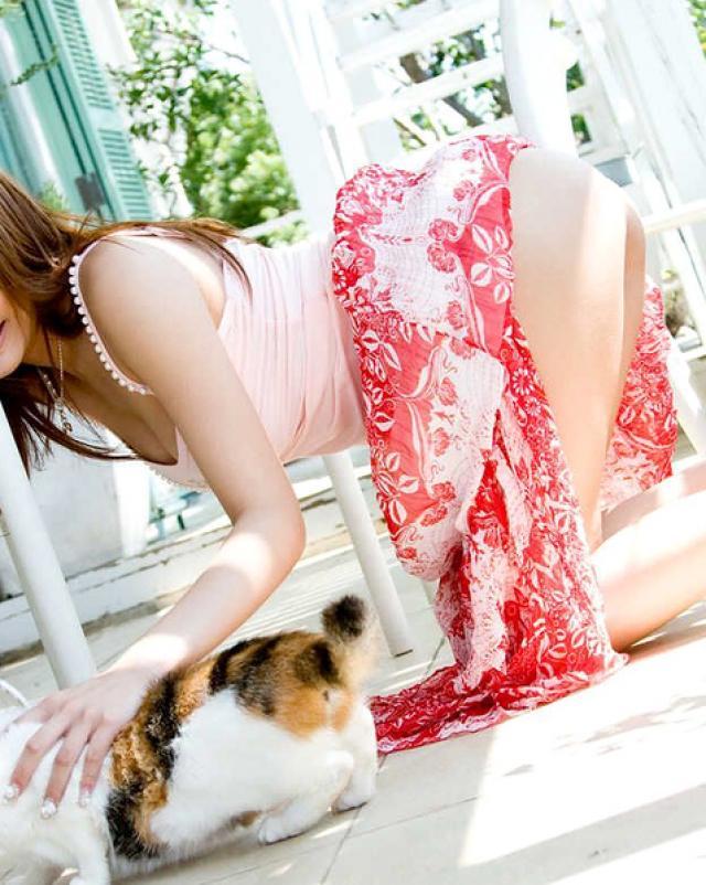 Красивая японская девушка хочет стать моделью