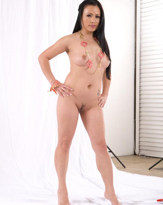 Смотреть секс фото азиатки в откровенном бикини