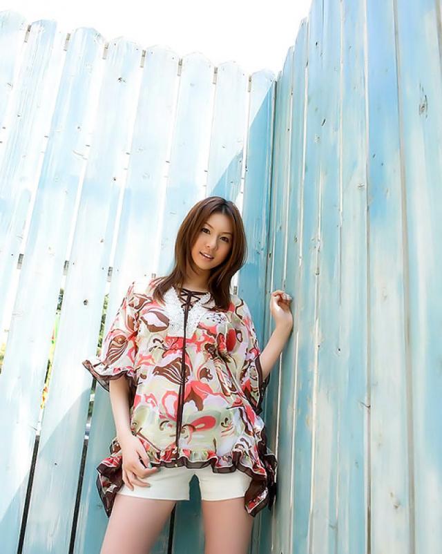 Японская красавица мерит эротичное белье