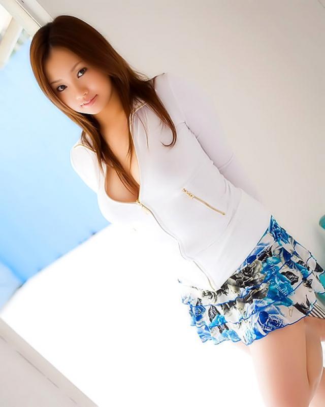 Голая азиатка с очень большими дойками