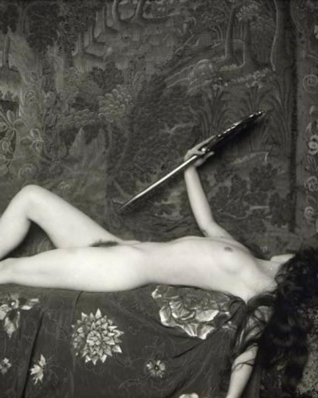 Горячие бабы с большими дойками в винтажном порно