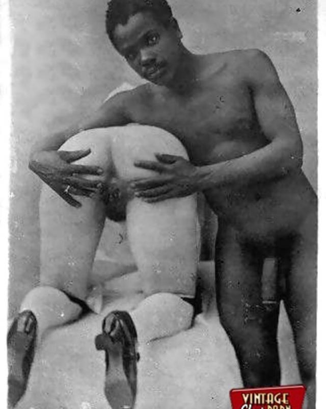 Белые и темные девушки в винтажной порно нарезке