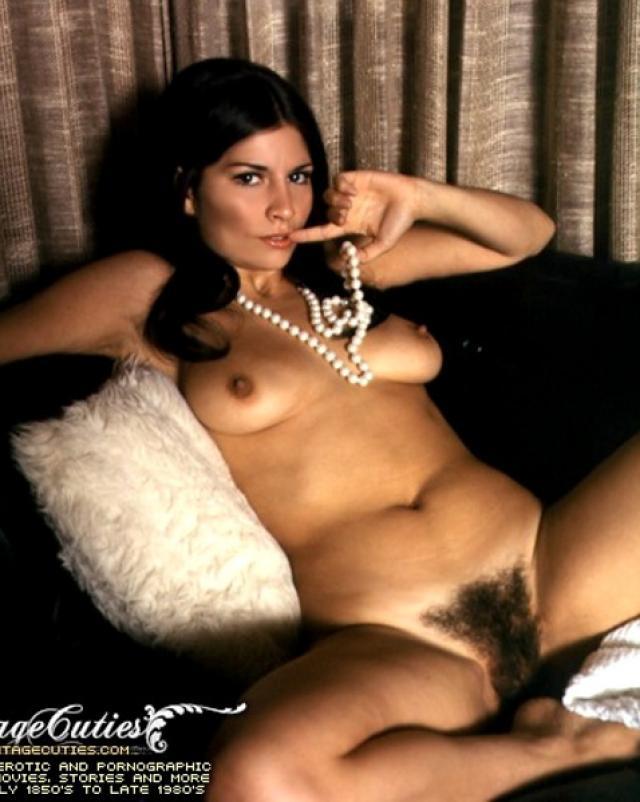 Порно фото красотки 70-их