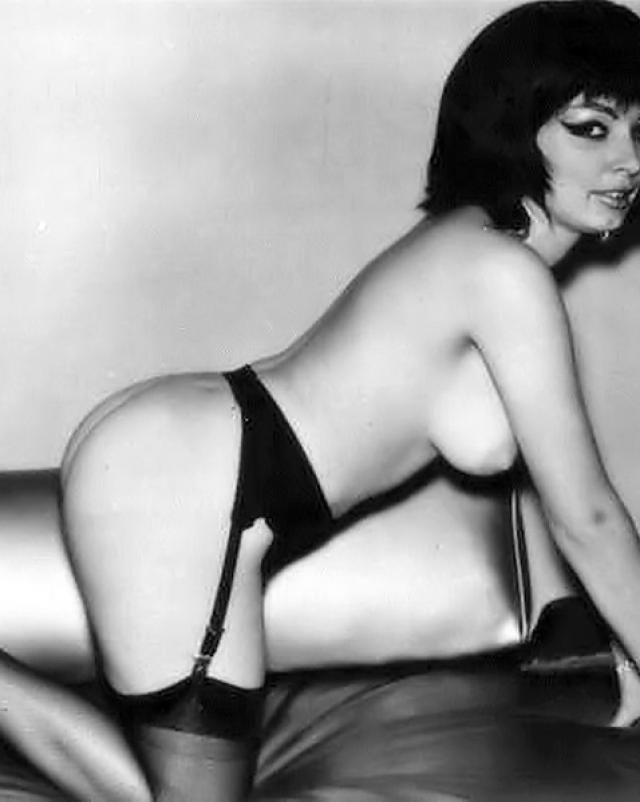 Сексуальные девушки из винтажной коллекции эротики