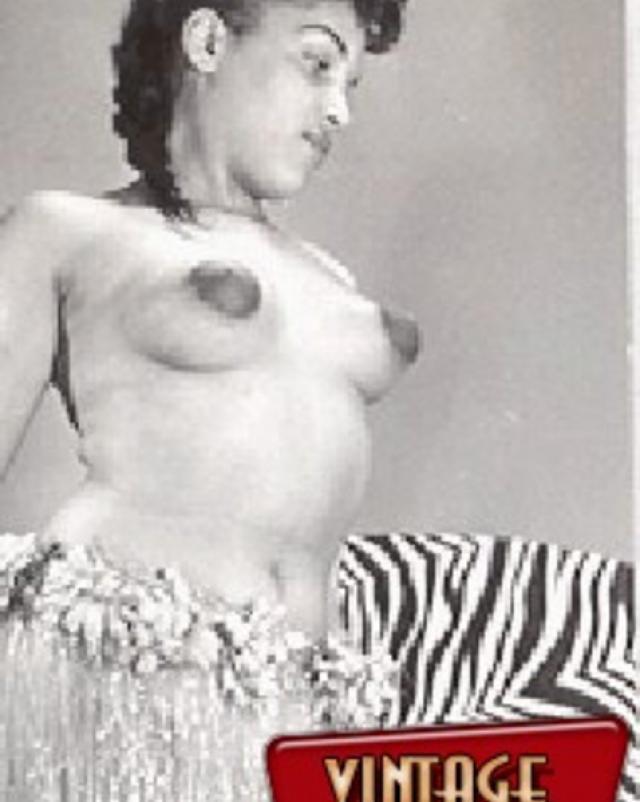 Горячие девушки в стариной винтажной эротике