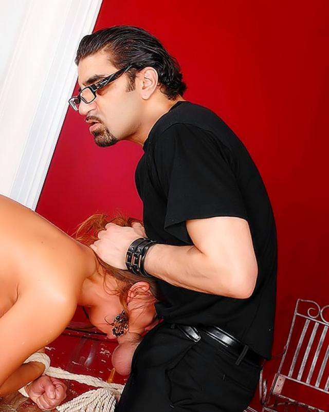 Босс решил устроить с секретаршей БДСМ секс