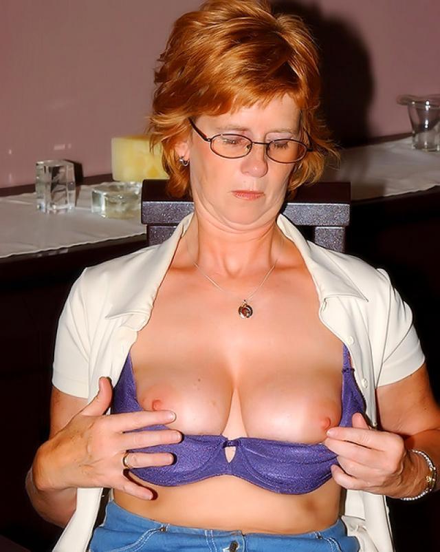 Аппетитная женщина с большими сиськами