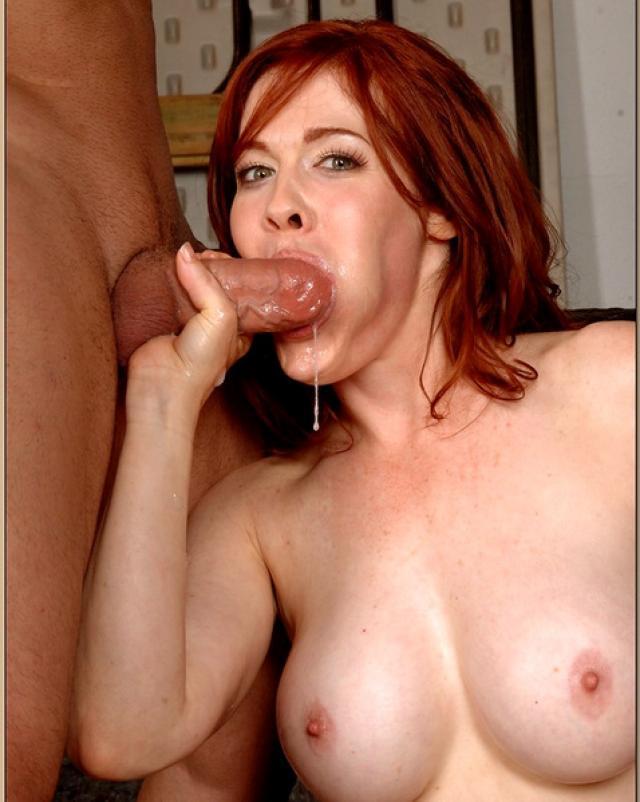 Рыжая мамочка удовлетворила мужа сексом перед работой