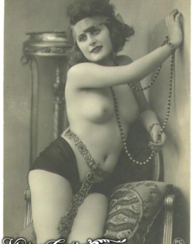Аппетитные голые женщины прошлого века