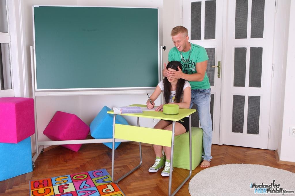 Русская студентка разводится на красивый трах