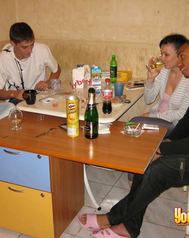 Русские студентки устроили еблю