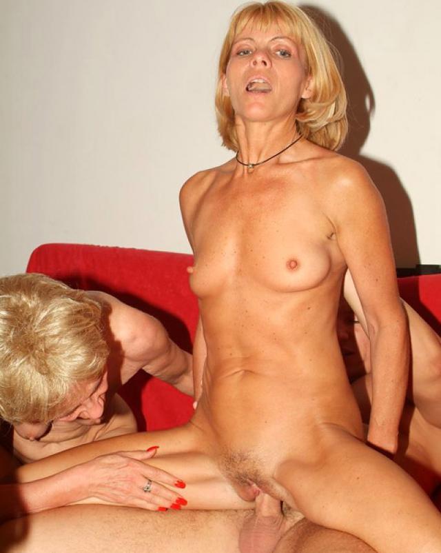 Порно фото групповой ебли с бабушками