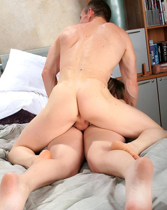 Порно фото анального секса с беременной девушкой