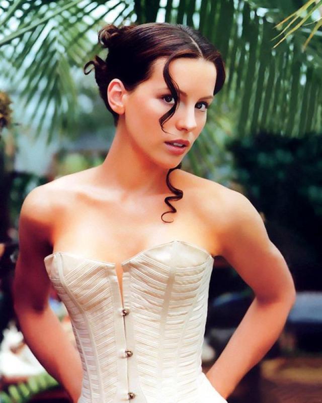 Кейт Бекинсэйл в эротичном образе