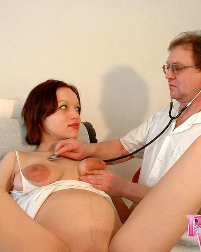 Забеременевшая путана пришла на гинекологический осмотр