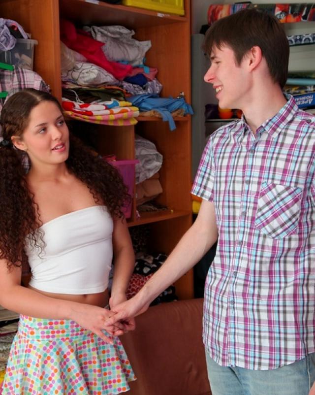 Реальное порно со студенткой и ее новым парнем