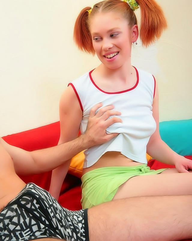 Сосед разводит рыжую девушку на минет со спермой на лицо