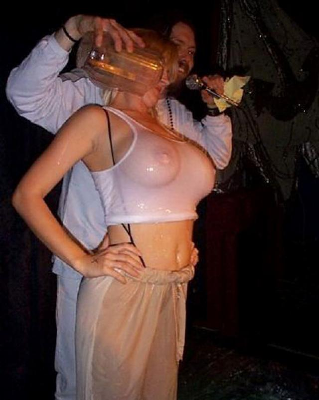 Фото возбужденных пьяных девушек в бикини