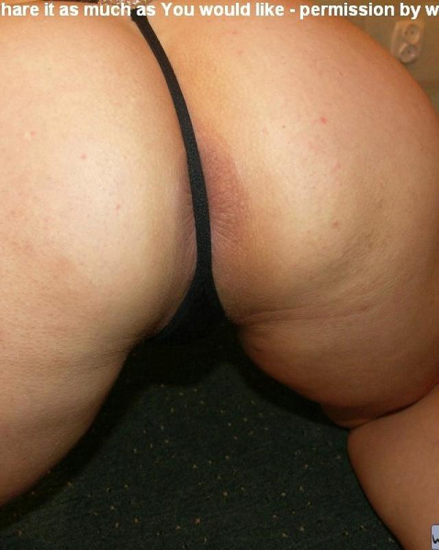 Пошлая дамочка обнажаясь показывает разорванный анус
