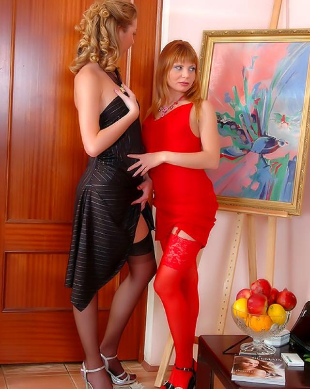 Шикарные лесбиянки показали русский секс в колготках