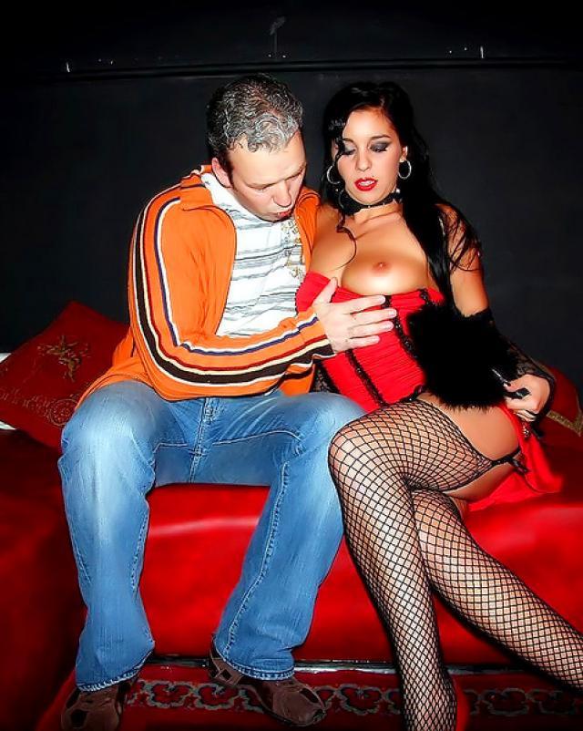 Парни сняли проститутку в Амстердаме