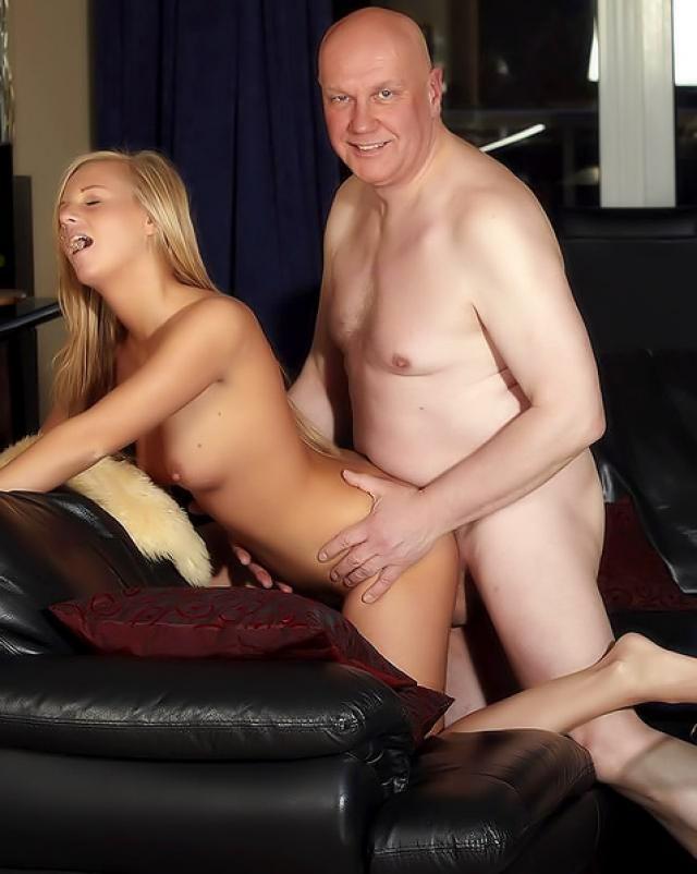 Лысый папа занялся сексом с молодой дочерью