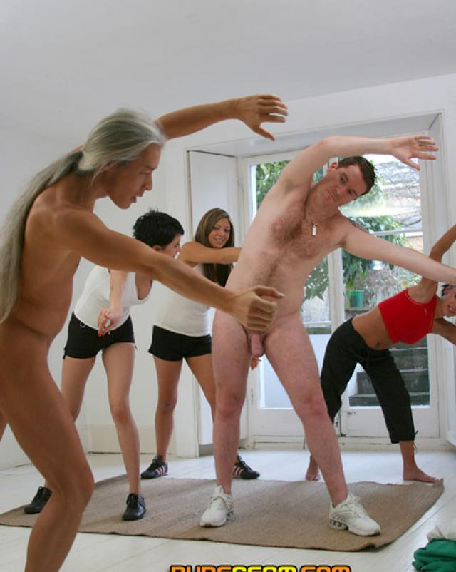 Голые фитнес тренера
