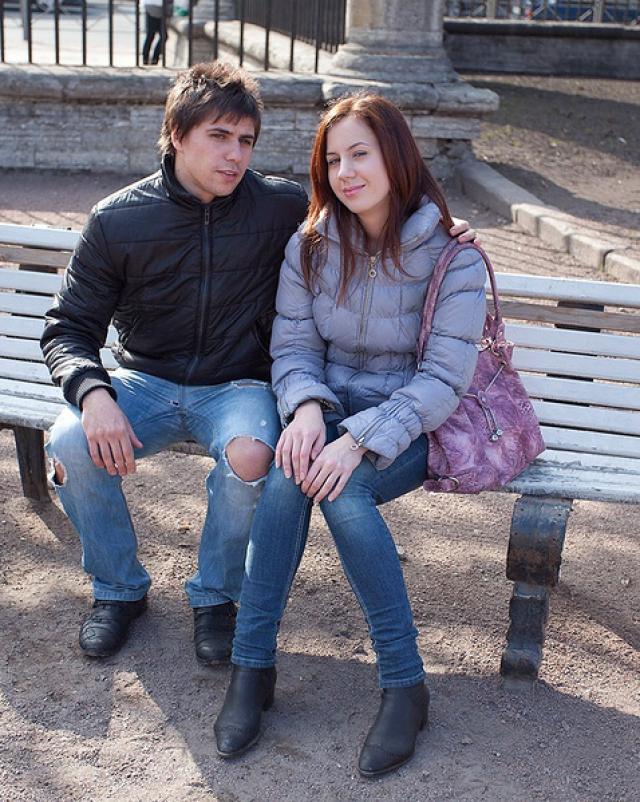 Русская студентка прогнулась раком для секса с красавчиком