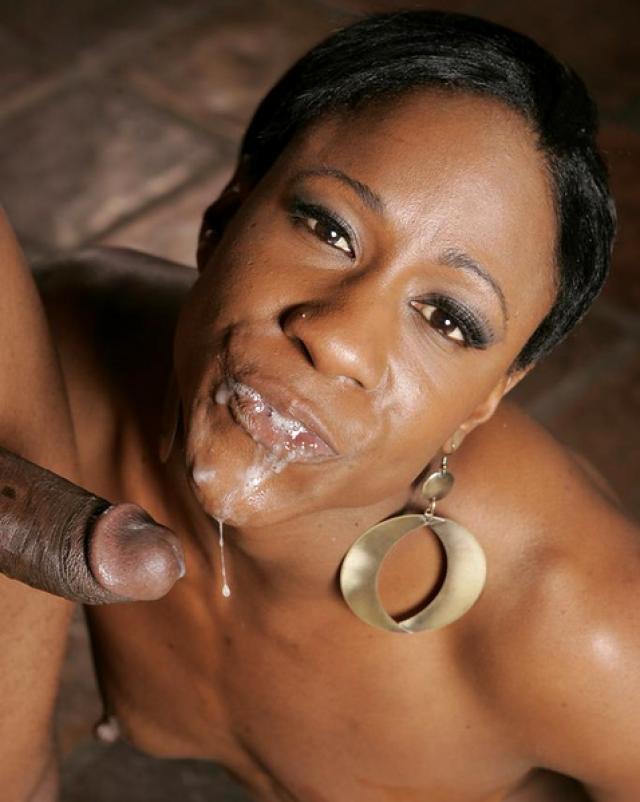 Худая негритянка жарко трахается со своим мужем