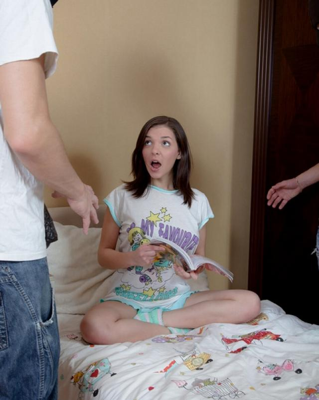 Грабители кончили в рот молодой девушке