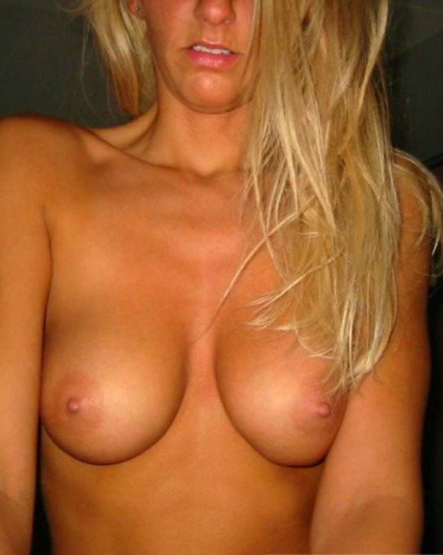 Домашний микс с молодыми и голыми девушками