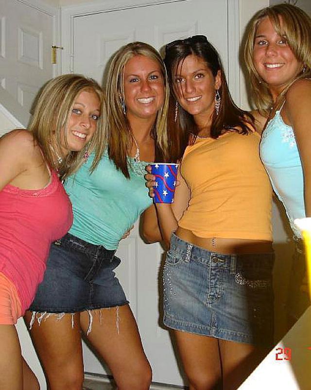 Сексуальная подборка с домашними девушками в голом обличии