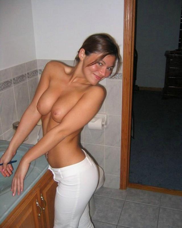 Русские девушки жарятся в киску и зад на домашних фото