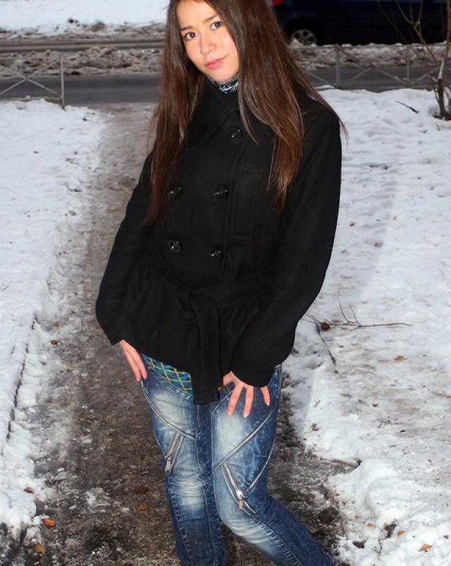 Русская студентка занялась анальным сексом в джинсах