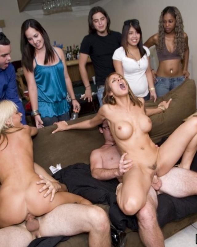 Откровенное фото с горячих вечеринок