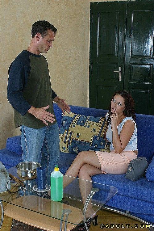 Мамочка отсосала любовнику на стороне со спермой на лицо