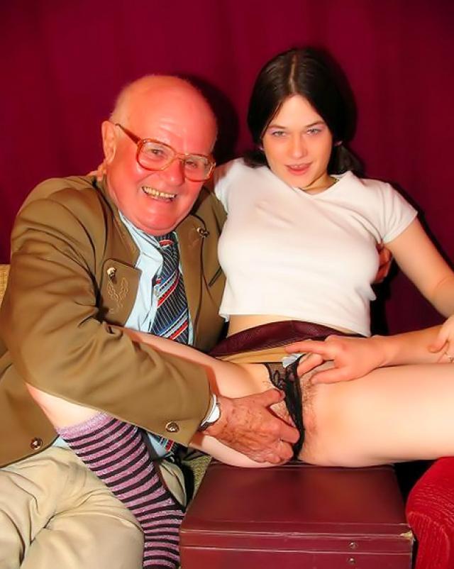 Два старика ебут молодую девушку
