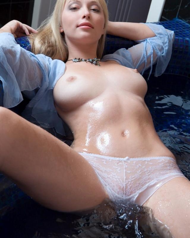 Супер эротика с грудастой блондинкой