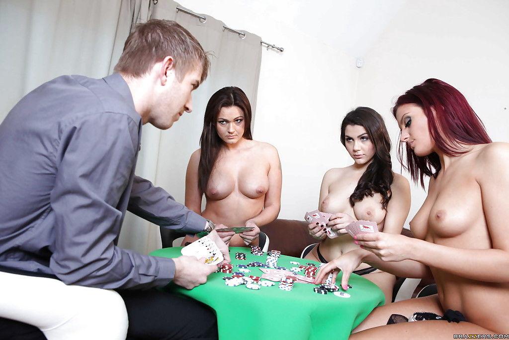 Девки проиграли в карты худощавому мужику секс в анал