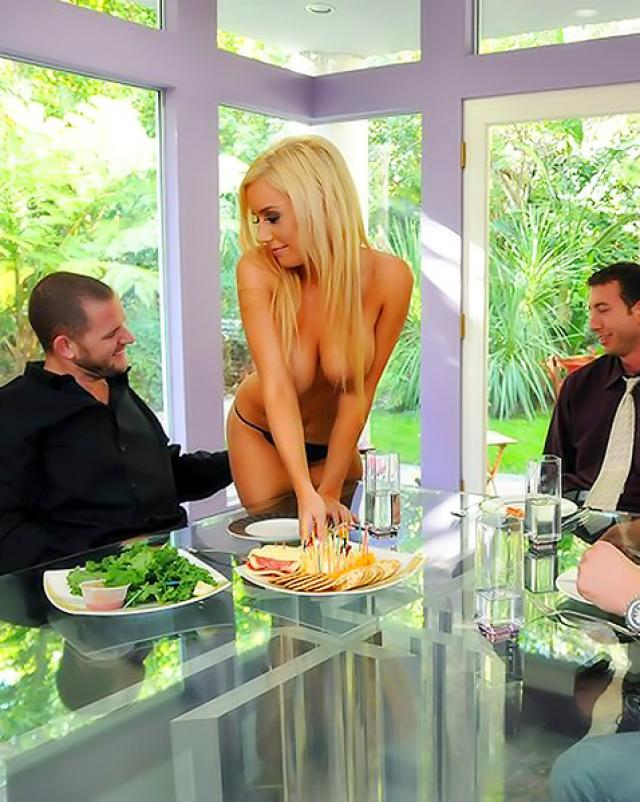 Порно фото зрелой мамочки во время ебли