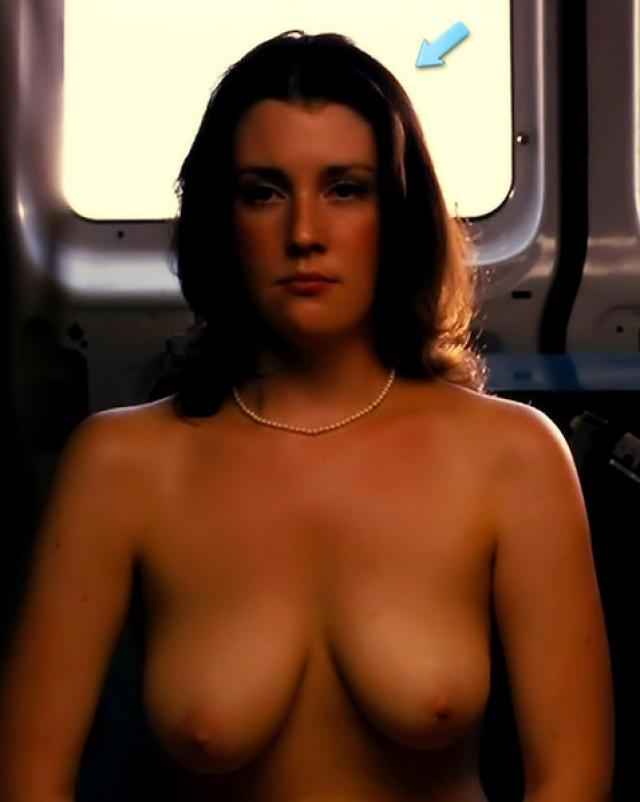Мелани Лински очень сексуальна